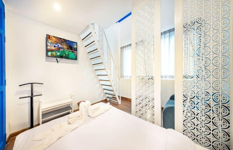 Ama Hostel Bangkok - Quadruple Room Shared Bath