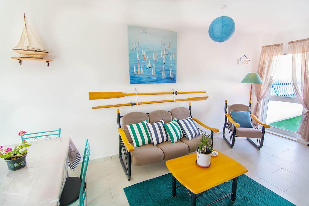 Sit comfortably - attractive living room for a more enjoyable stay and island feeling!
