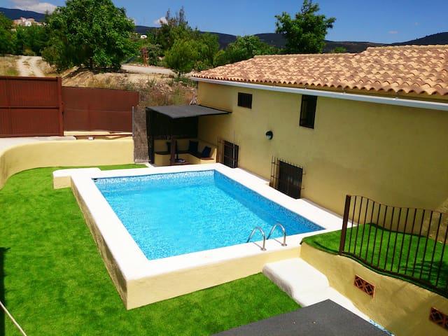 Desconecta en tu paraíso particular - Albuñuelas - Villa
