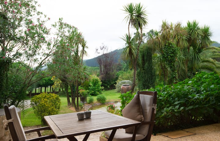 chalet con piscina y jardin privado