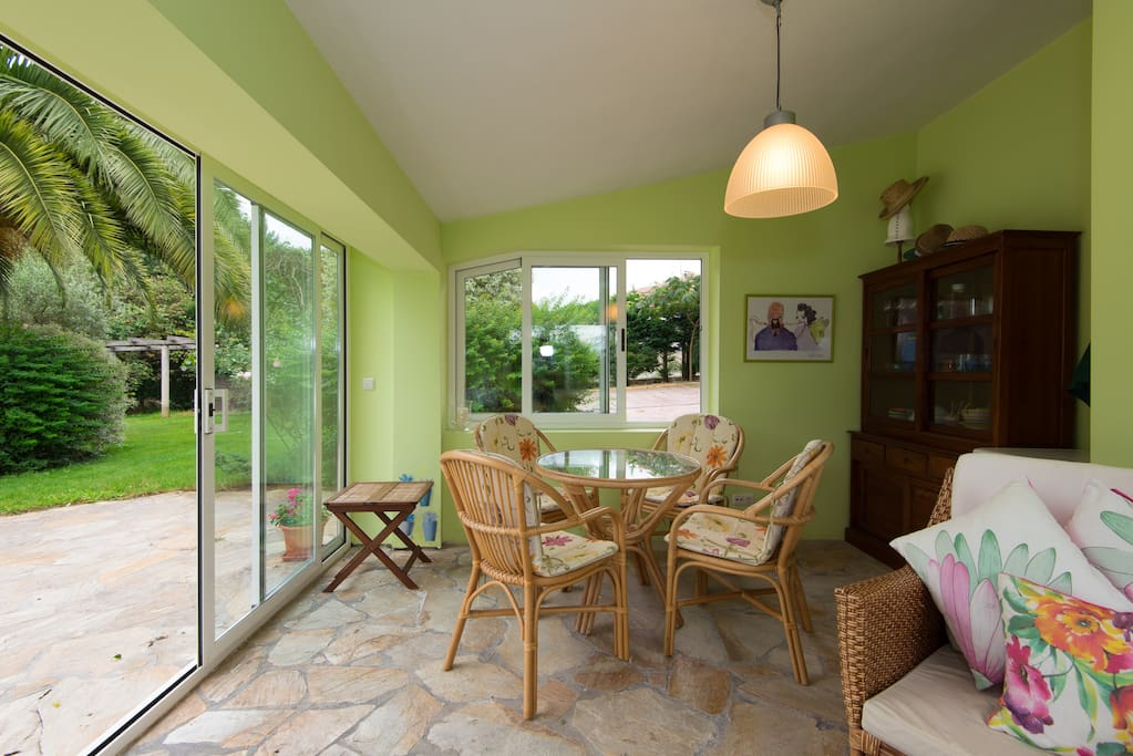 Chalet con piscina y jardin privado case in affitto a for Jardines 6 bilbao