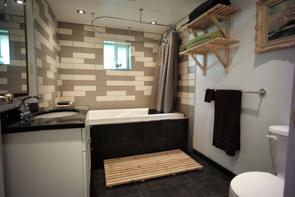 recently renovated by professional bathroom fitters to a very high standard, heated floor