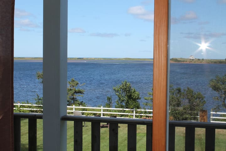 Waterfront Beach House - West Covehead - 一軒家