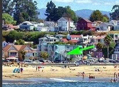 Capitola Ocean View Studio for Two!