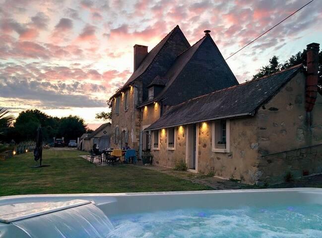 Maison au beau milieu des champs - Ecuillé - Casa