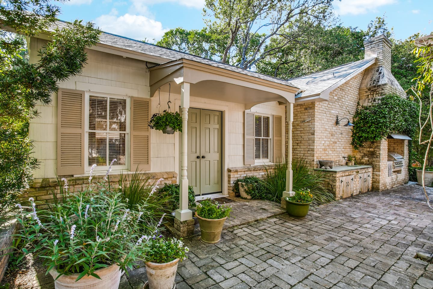 Isabelle's Cottage - approximately 360 s/f per Bexar County Appraisal District