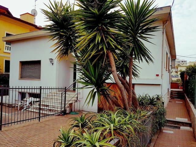 Trilocale in villa marina... - Sanremo - Rumah