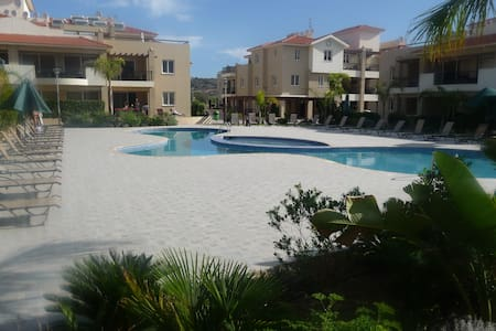 2 bedroom ground floor apartment - Pyla