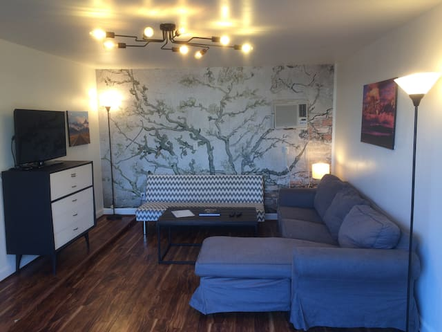Great Space in Midtown off 15th! - Tulsa - Townhouse