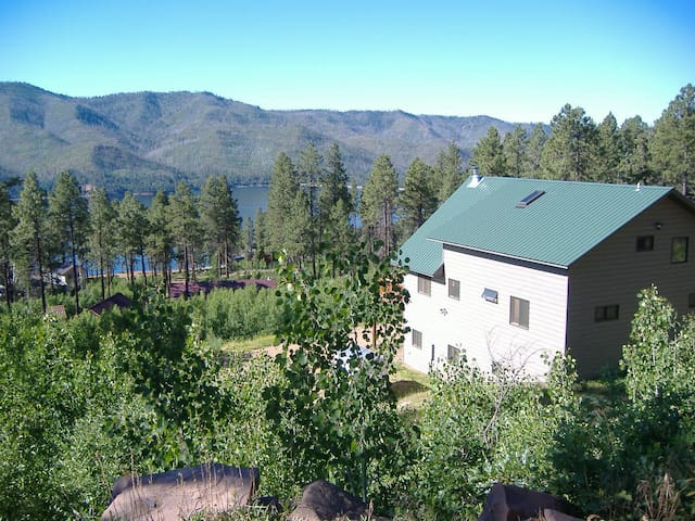 Lovely Lake Vallecito Vacation Home