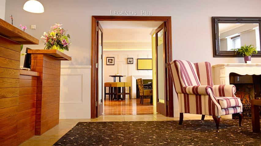 Cill Aodain Court Hotel - Kiltimagh - Kiltimagh - Bed & Breakfast