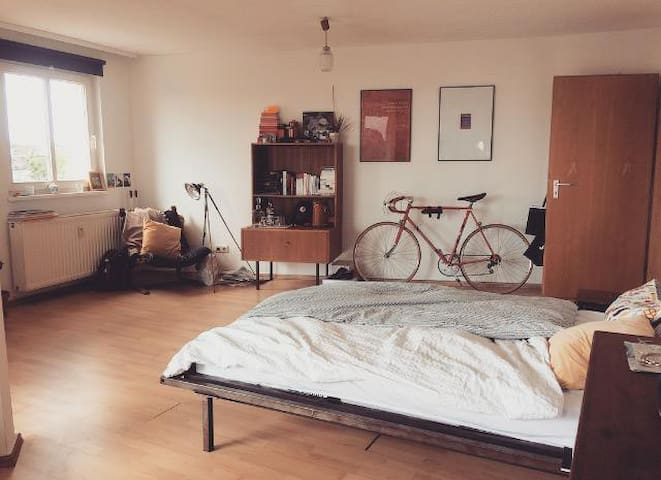 Light and spacious room in Neukölln