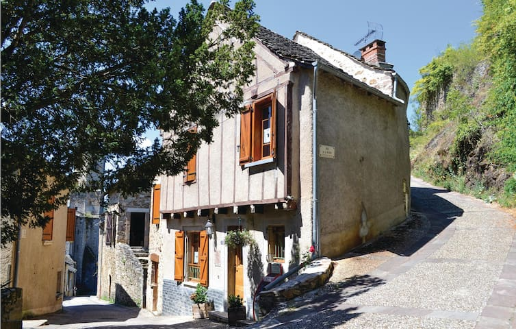Semi-Detached with 2 bedrooms on 84 m² in Najac
