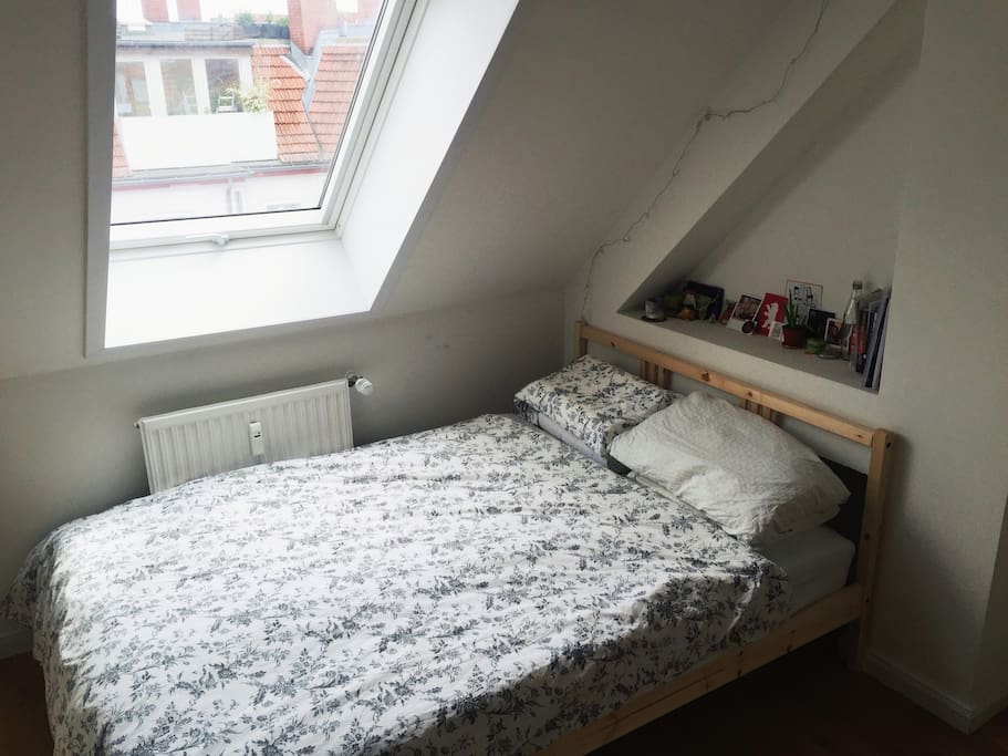 Private Bedroom w/ double bed, clothes rack, storage