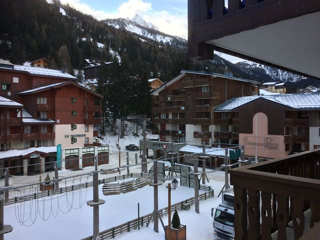 Apartment with great views next to ski lift