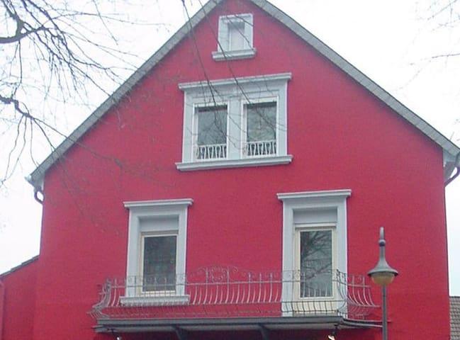 2 Zimmer mit Balkon und eigenem Bad