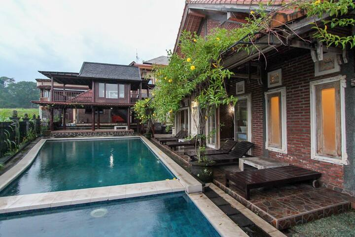 NEW - Deluxe Room W/Pool Access Near Tirtagangga