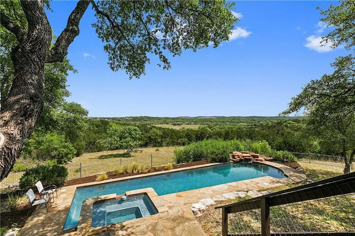 Vacation getaway - 11 acres of hill country views