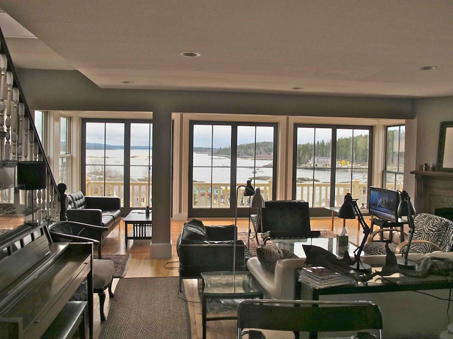 Living Room area on Main Floor of Nanmark