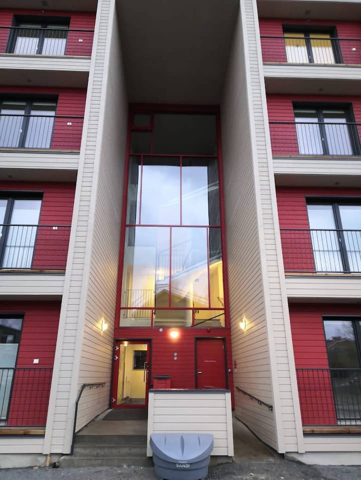 Näppärä uusi pikku asunto. 1h, k, kph, parveke
