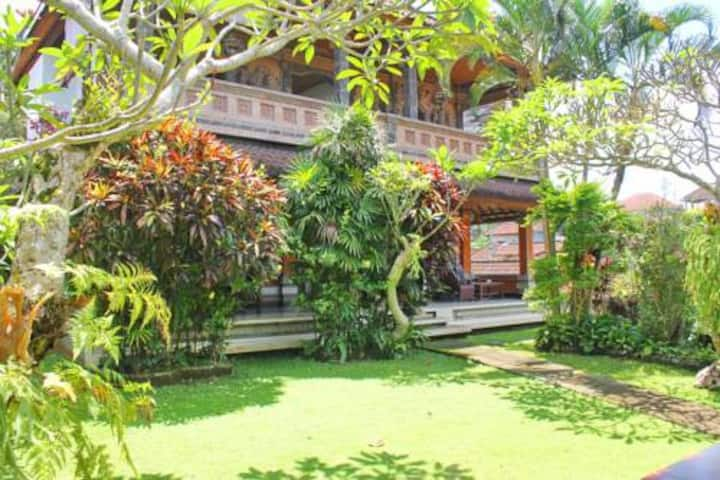 A space for Family in Ubud Center, Garden View