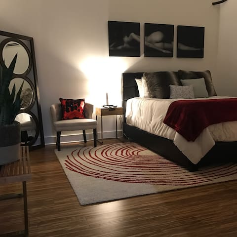 NuLu Downtown Nook w/parking - Louisville - Apartamento