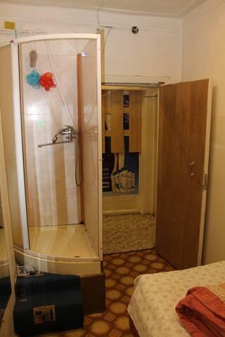 1 комнатные апартаменты с душем и туалетом