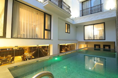 Deluxe Twin Bed Pool Apartment 200M to MyKhe BEACH - Da Nang - อพาร์ทเมนท์