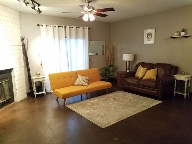 Condo minutes from downtown and UT campus
