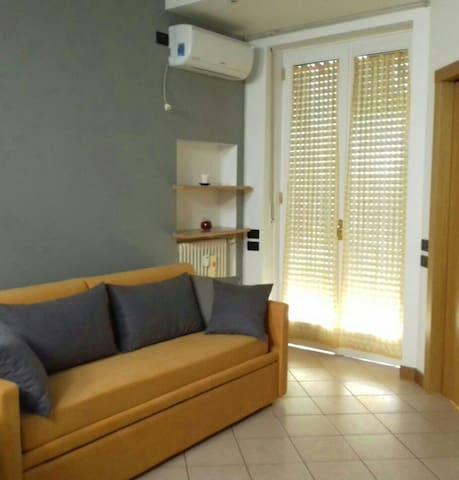 posto letto dal lun al gio/Monolocale nel week end - Milaan - Appartement