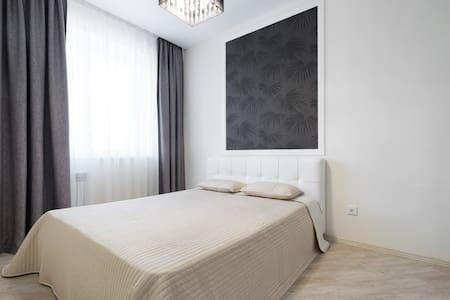 Новая квартира 10 мин от Оперного театра и центра - Novosibirsk - Apartment