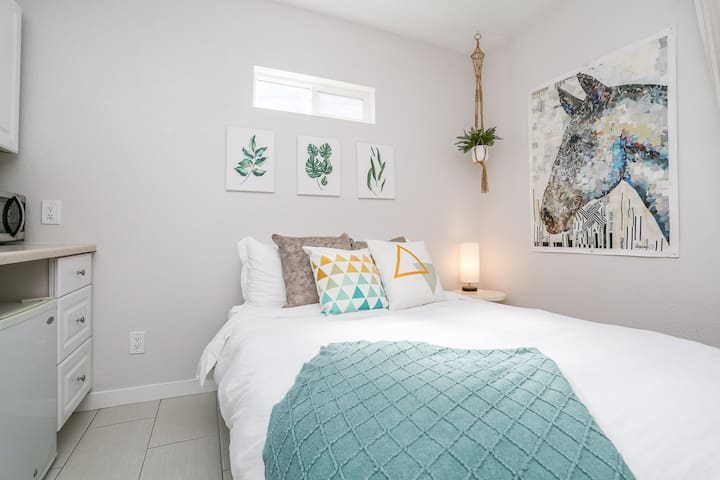 Private Stay in Trendy SD Neighborhood!