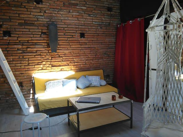 Studio (+Mezzanine) Centre ville (Carmes/Esquirol)
