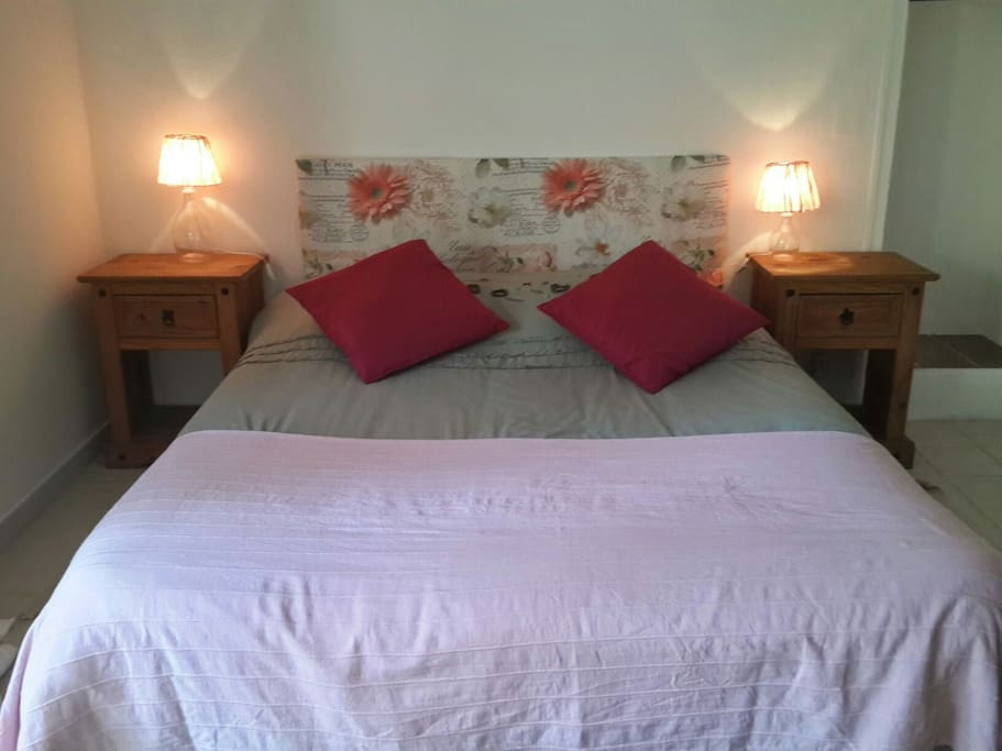 Chambre d h te 2pers pr s de cassis houses for rent in for Chambre hote cassis