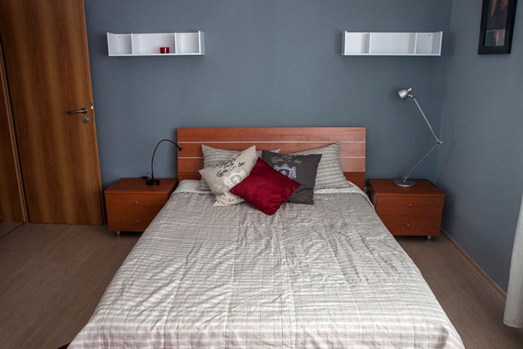 Bedroom with one queen-size bed