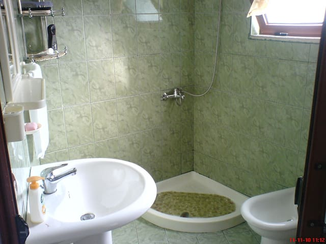 Near Tirana house/flat is for rent - Dobresh - House