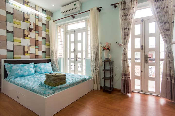 Bright'n shiny gem in Dist 3 (No.2) - Ho Chi Minh City - House