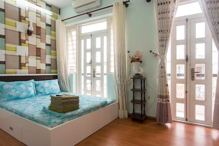 Bright'n shiny gem in Dist 3 (No.2) - Ho-Chi-Minh-Stadt - Haus