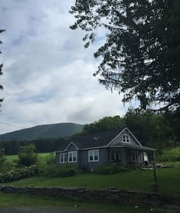 Cozy Home In the Berkshires - Stephentown - บ้าน