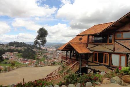Casa del Tio Shanta / Habitación Privada - Cuenca - Hus