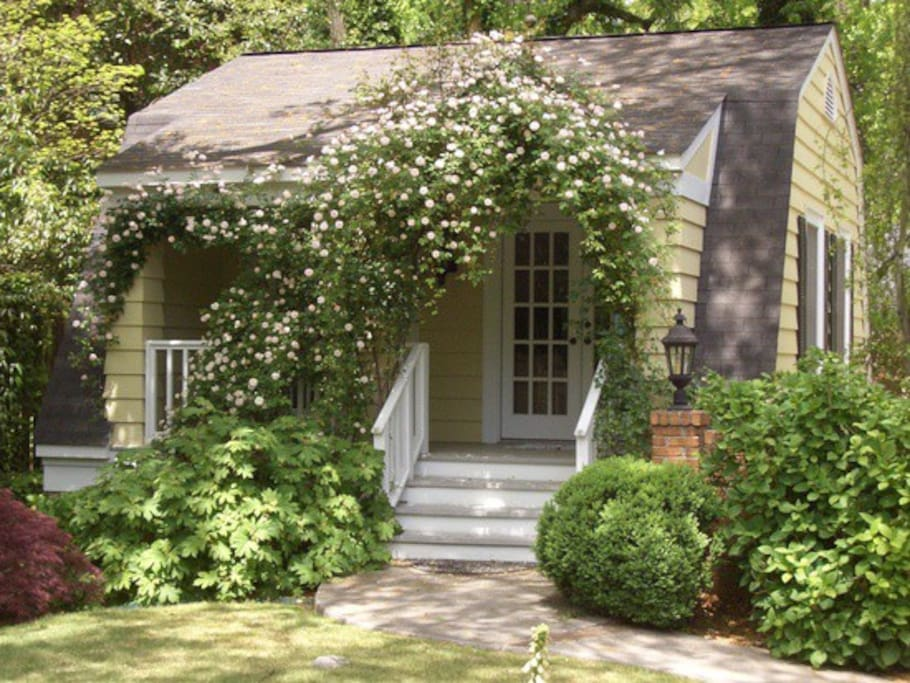 Private Carriage House
