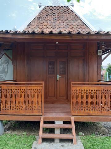 Keong Mas Homestay I