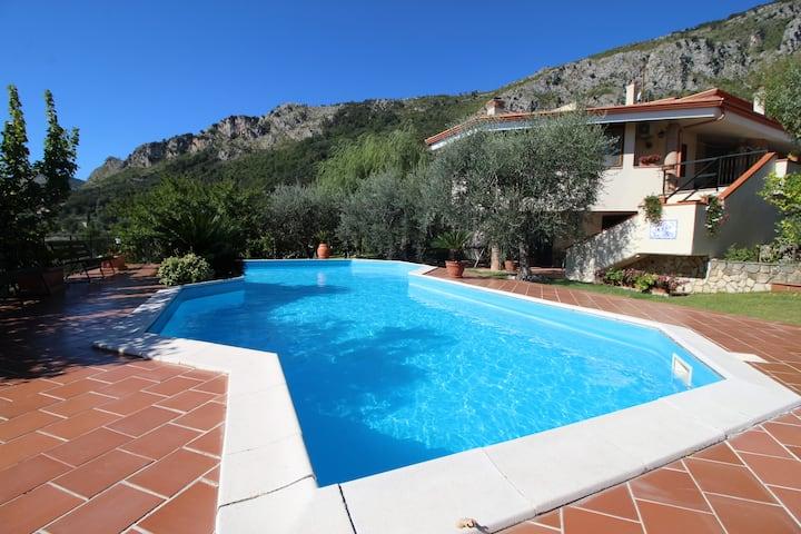 Villa Chiaia A