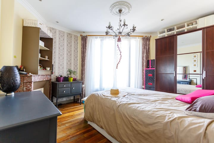 Cosy and sunny flat 10 minutes from heart of Paris