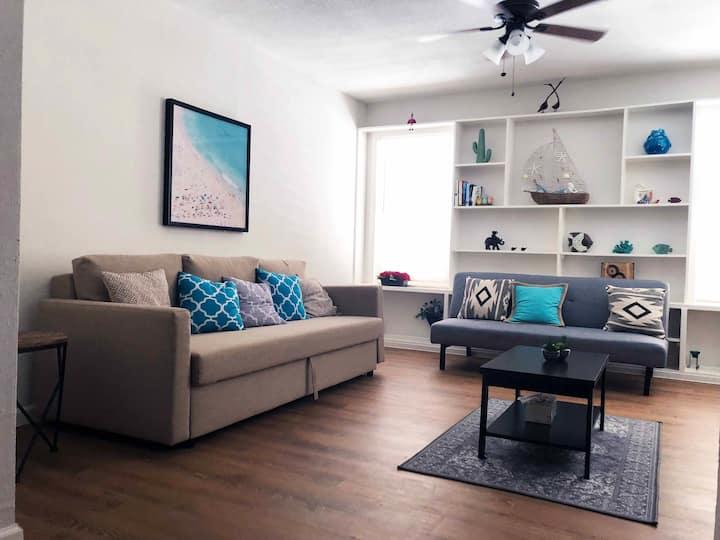 Charming Galveston  Apartment