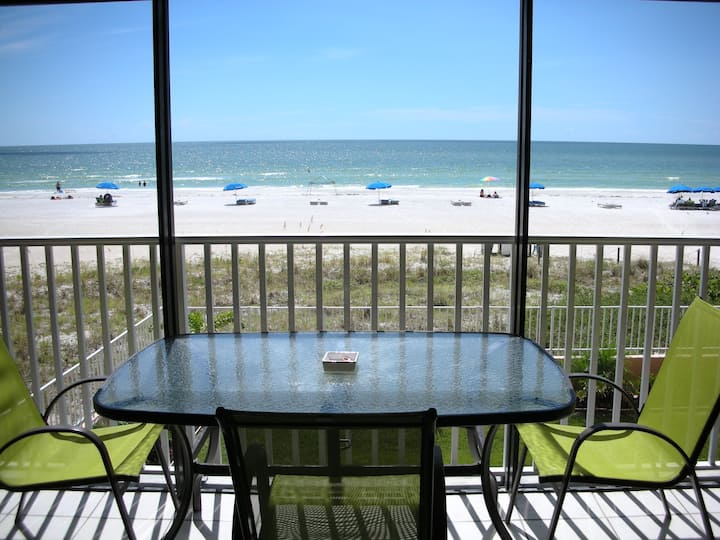 GORGEOUS MODERN 3 bdrm CONDO Right on the BEACH