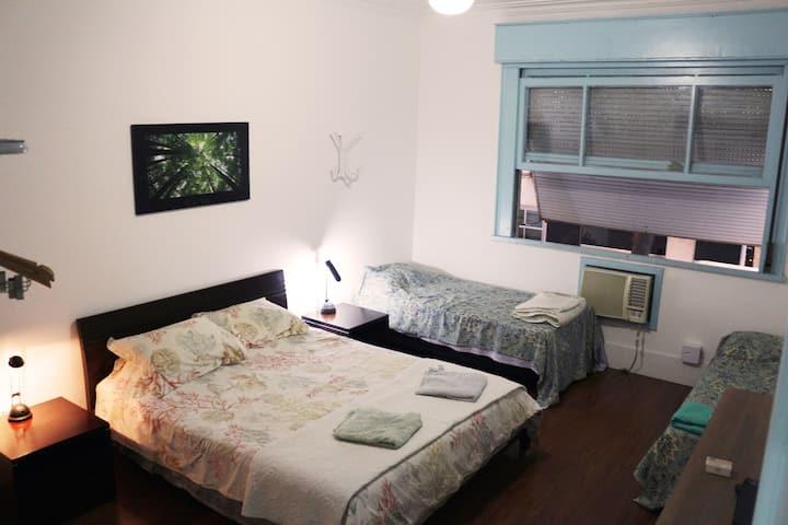 B&B Zul e Verde - Large quadruple room in the heart of Copacabana