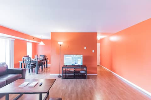 Entire condominium house 2 king bed, Free Parking