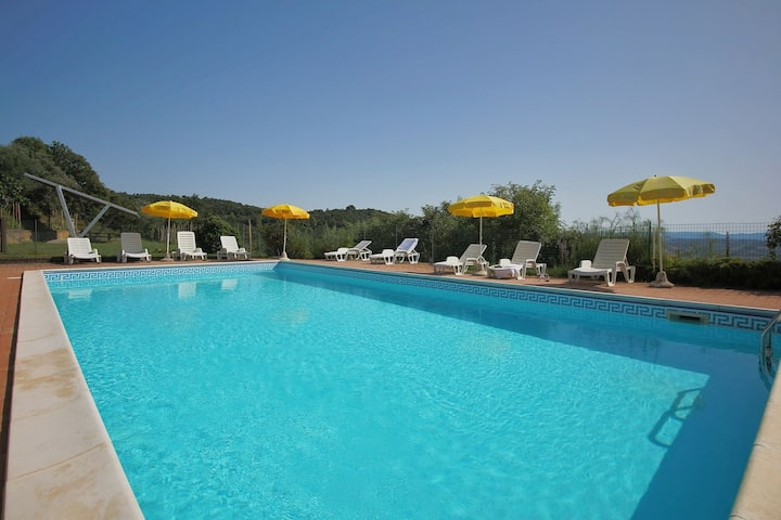 Farmhouse in Paciano with Swimming Pool, Roofed Terrace, BBQ