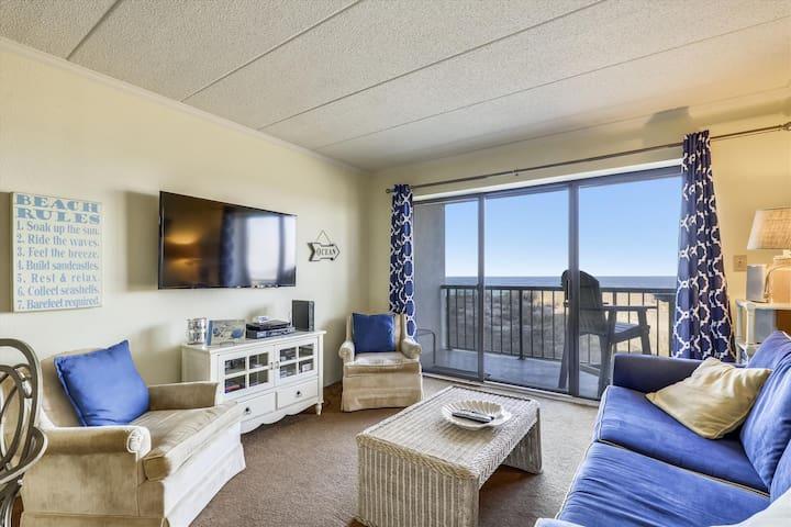 Summer Beach 102 - Oceanfront, Linens Included!